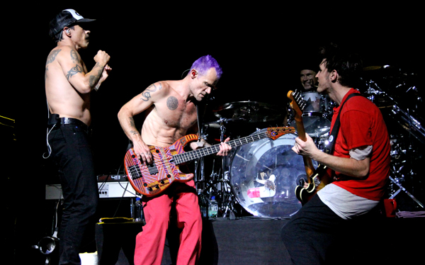 Red Hot Chili Peppers v klube Nokia - 24. august 2011