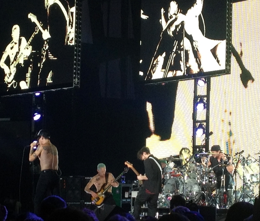 Red Hot Chili Peppers odohrali vo Viedni neuveriteľnú šou (7.december 2011)