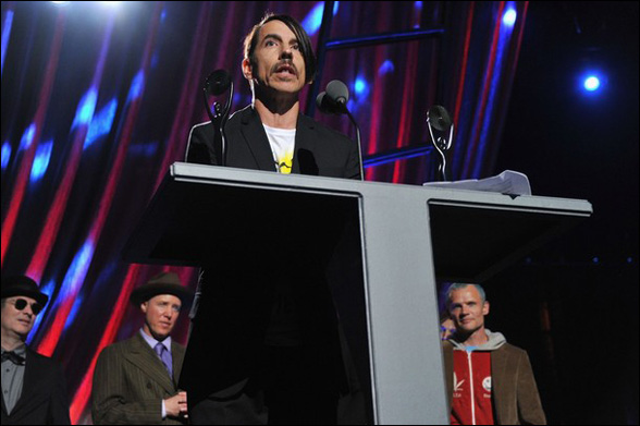 Anthony Kiedis ďakuje všetkým, ktorí pomáhali utvárať svoj život