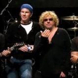 Bubeník Chad Smith bude zrejme koncertovať s kapelou Chickenfoot budúce leto
