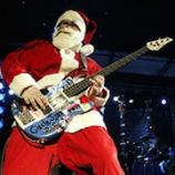 Basgitarista Flea ako Santa Claus