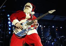 Flea v kostýme Santa Clausa