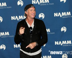 Chad Smith sa zúčastnil NAMM 2015