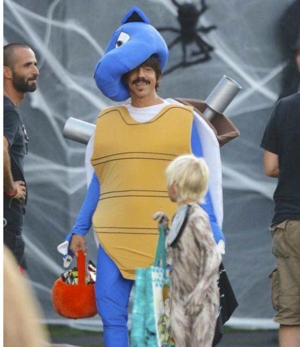 anthony-kiedis-everly-bear-halloween-2015-2