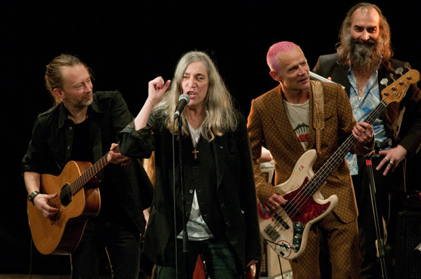 patti-smith-et-thom-yorke-pathway-to-paris,M281859