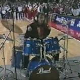 Pred Fleaom: Chad Smith zahral úžasne hymnu na NBA