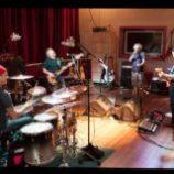 Kapela Chickenfoot budúci víkend vydá nový singel!